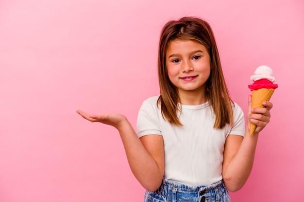 Что подарить девочке, варианты подарков по возрасту, интересам, тест
